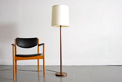 Teak Floor Lamps: circamidcentury.blogspot.com/2011/10/mid-century-walnut-floor-lamp.html,Lighting