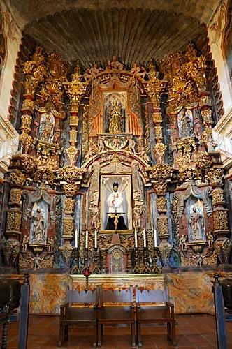 Ssn Xavier Mission - interior Front Altar -http://www.celebratebig.com/mission-san-xavier-del-bac-in-tucson/