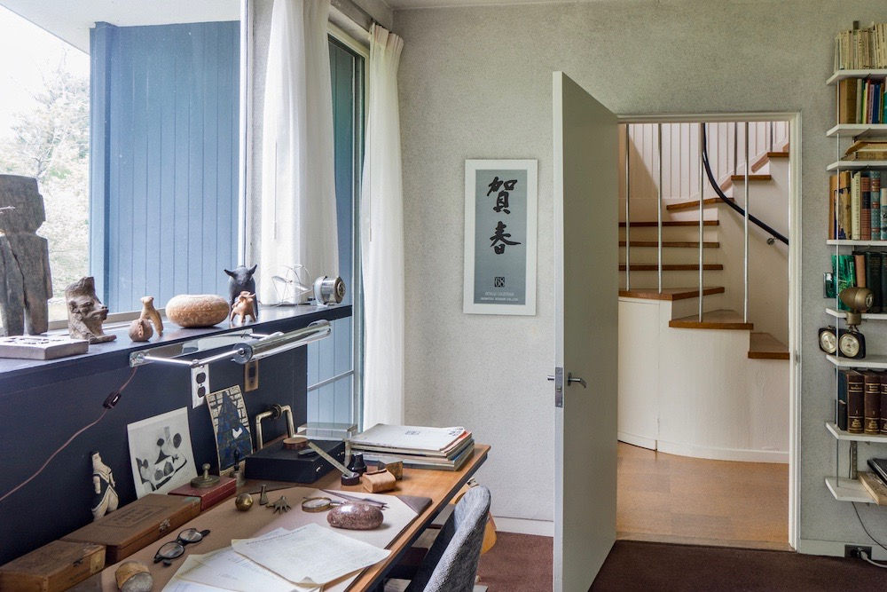 Gropius House Office U2013 Shared By Walter And Ise Gropius  Https://newengland.com/today/travel/new England/things To Do /modern House Museums/