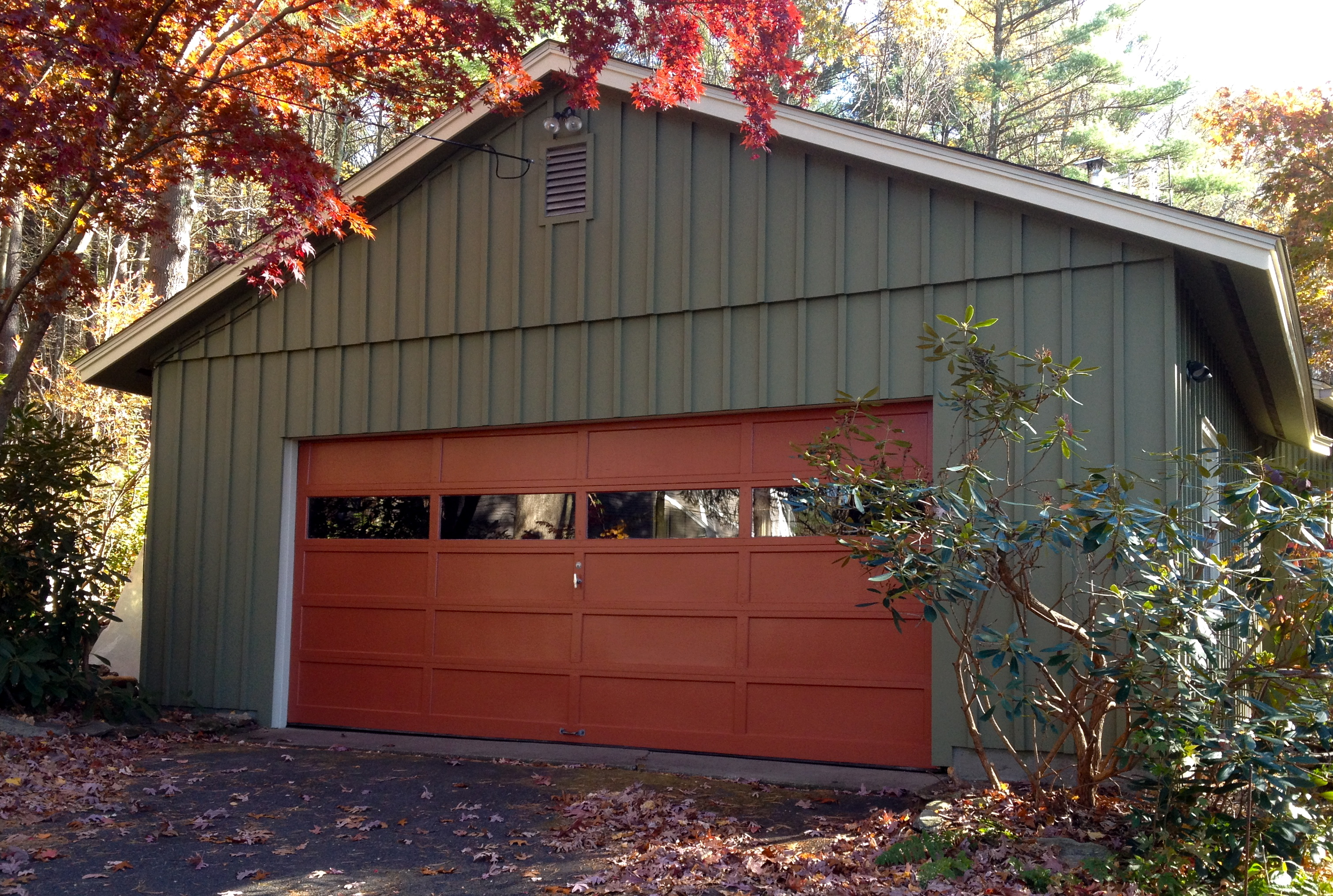 Exterior Color For A Modest 1960 S Ranch House Autumn In New England Kdz Designs Interior Design Western Ma